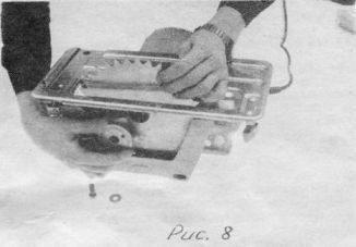 При закреплении пильного диска установить фланец на шпиндель, совместив лыски на шпинделе и фланце. Затянуть болт до упора. Проверить плавность вращения и отсутствие биения пильного диска, провернув его несколько раз от руки